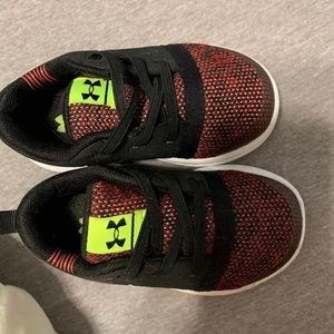 Toddler boys under armor shoes